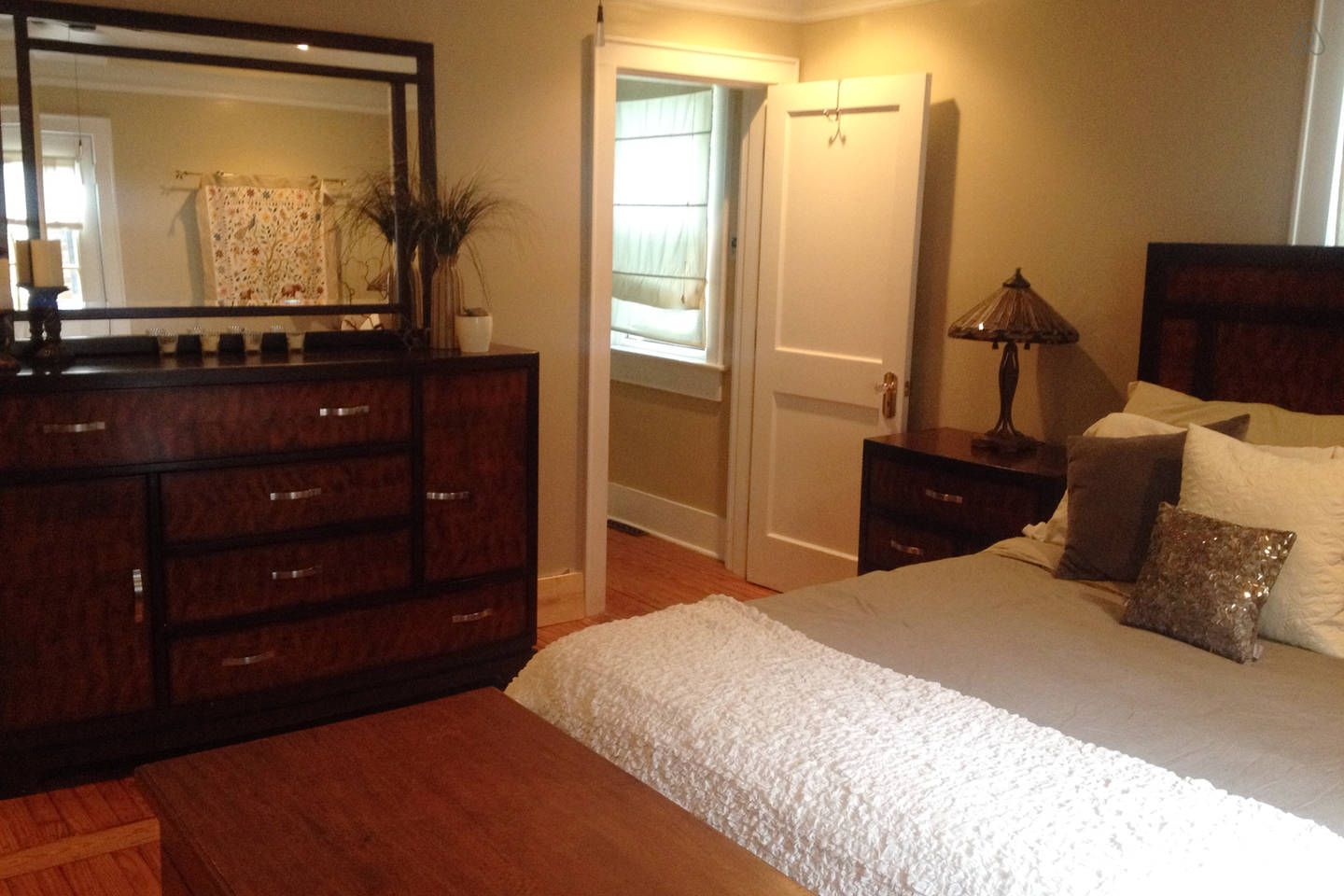 Cozy & Private 1BD Downtown Chs - vacation rental in ...