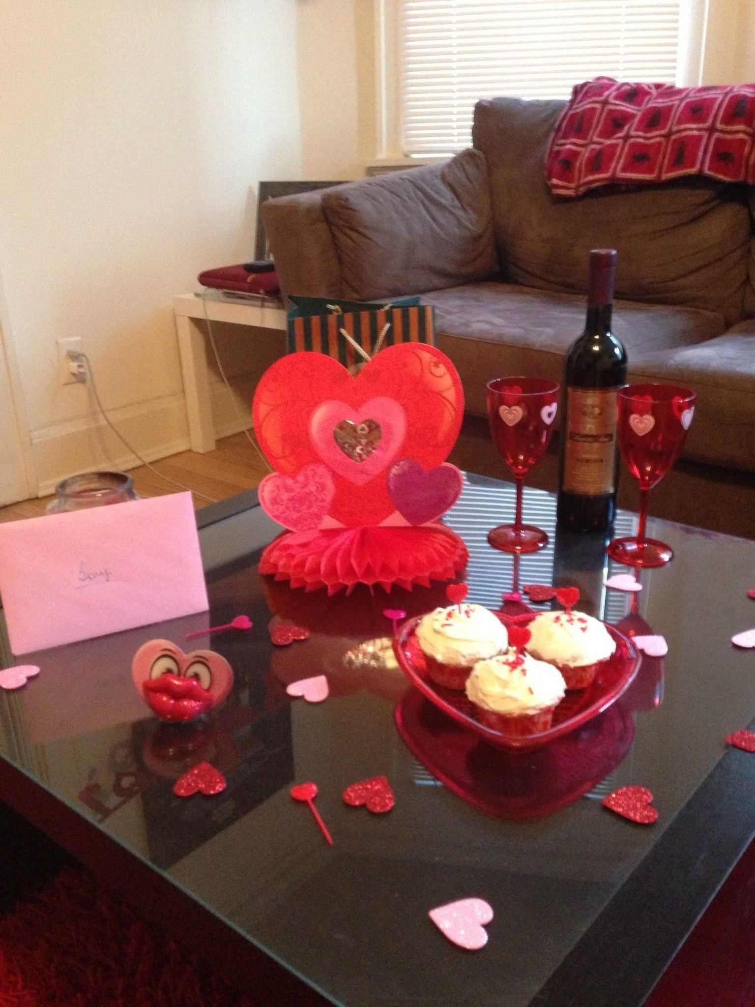 25 Beautiful Romantic Bedroom Ideas For Valentines Manlikemarvinsparks Com Valentine Table Decorations Valentine Decorations Diy Valentines Decorations