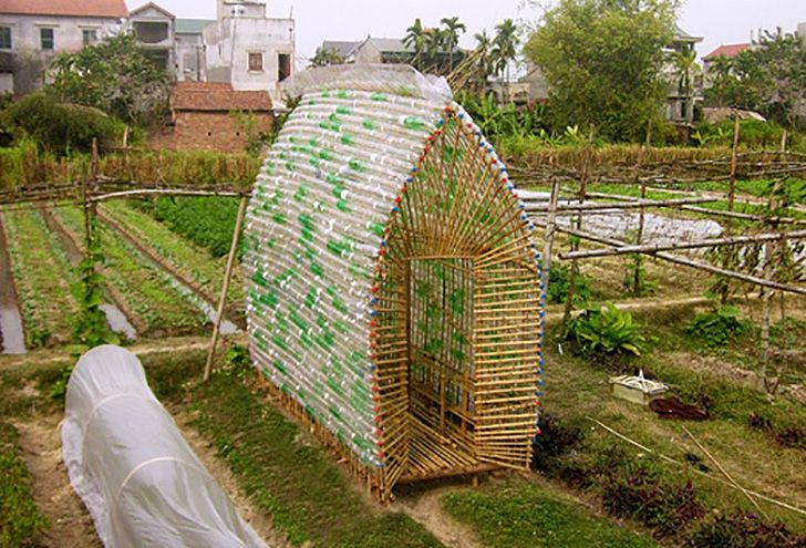 Beautifully Ingenious Greenhouse In Vietnam Is Made From Recycled Plastic Bottles Bamboo Off Grid World Plastic Bottle Greenhouse Diy Greenhouse Modern Greenhouses