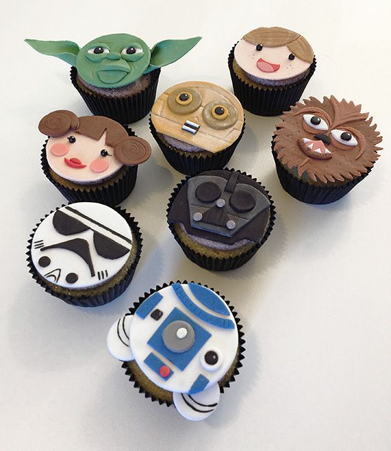Fondant Topped Star Wars Cupcakes Star Wars Cupcake Toppers
