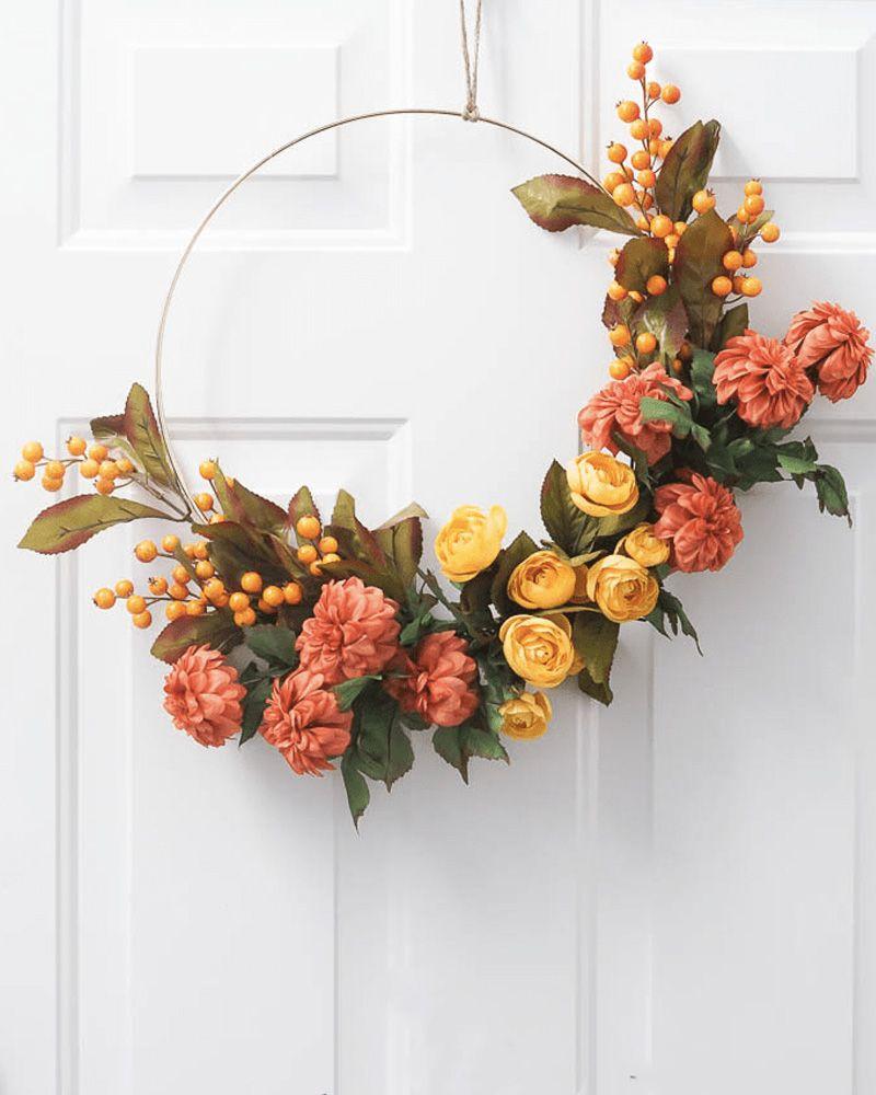 10 couronnes et guirlandes de fleurs pour d corer vos murs. Black Bedroom Furniture Sets. Home Design Ideas