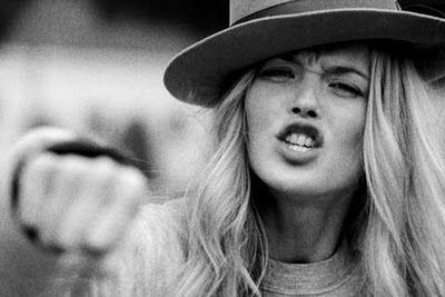 Amor eterno por los sombreros.