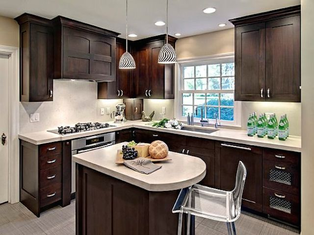 Charmant 18 Backsplash Ideas For Dark Cabinets White Countertops.