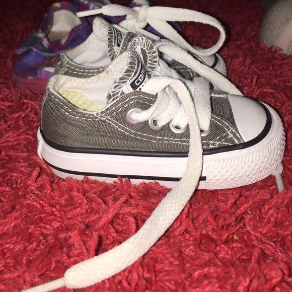 Infant converse size 2 | Converse