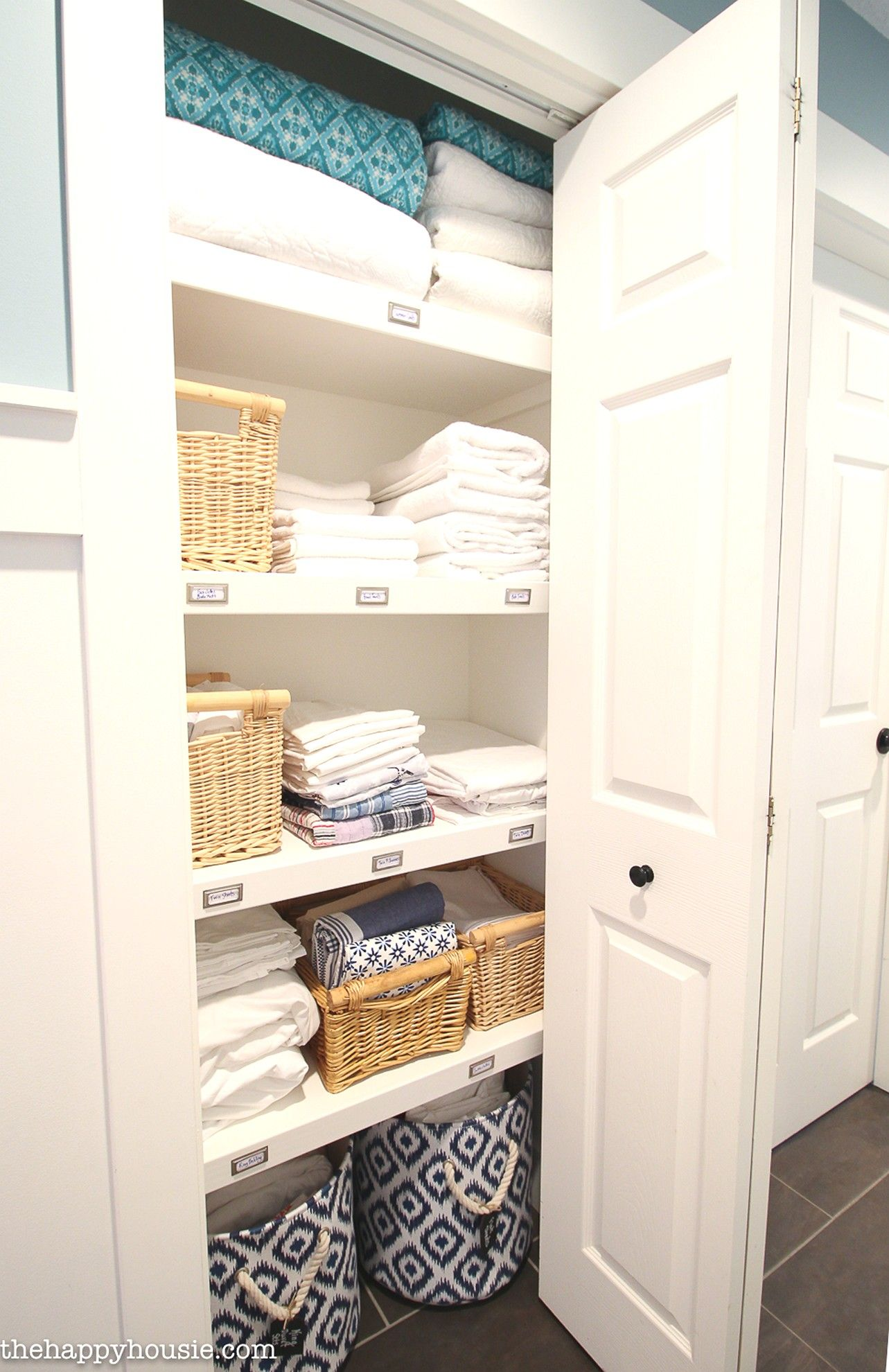 How To Create a Beautiful and Practical Linen Closet in a Quick #homedesigntips #homedecorationideas #homedesignideas #hometips #homecare #homedecorating #home