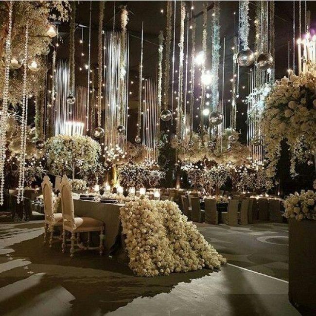 Beautiful Indoor Wedding Ceremony: Beautiful Elegant Wedding Ideas! #elegantweddingideas