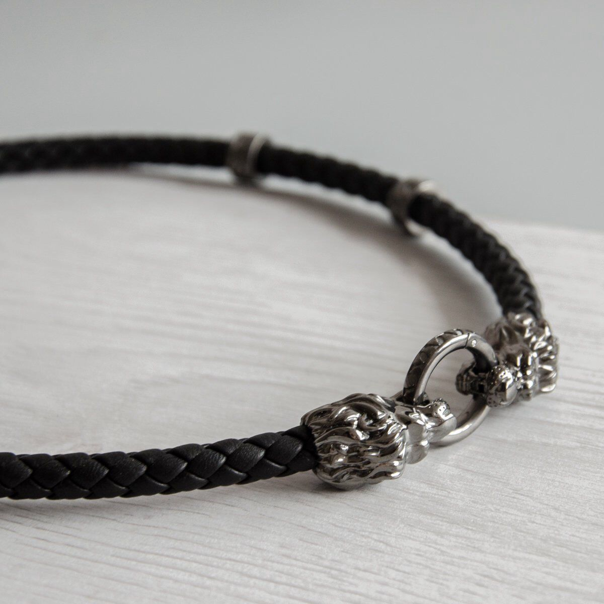 Leather choker with silver lion heads and ring lion necklace men
