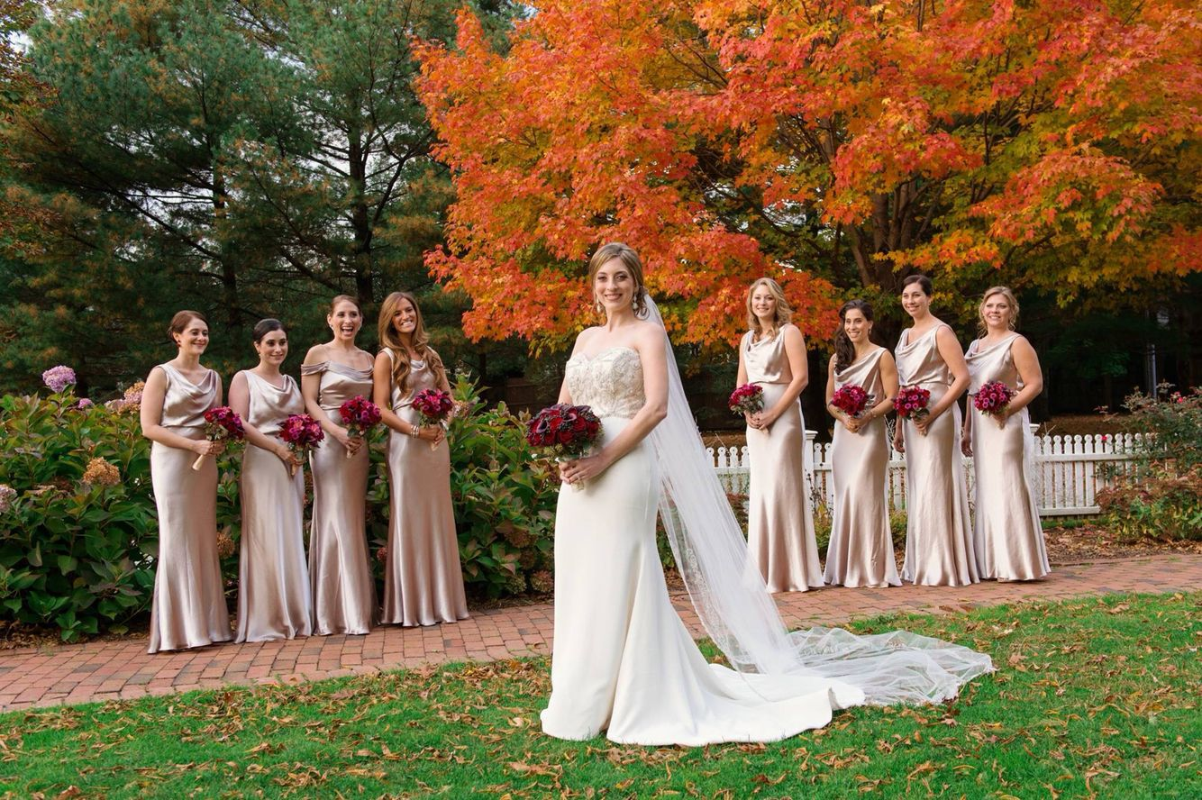 Champagne Bridesmaids Dresses With Red Roses Bouquets Photographed By Exo Photography Long Island And Destination Wedding Photographers