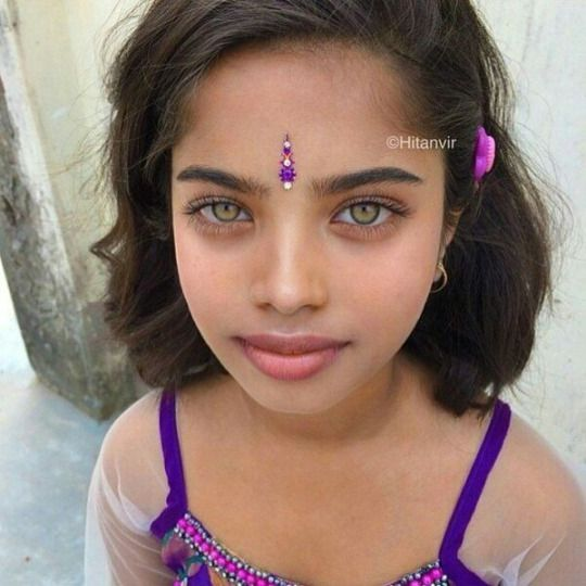 Girl With Bright Green Eyes Beauty Beautiful Green Eyes Most