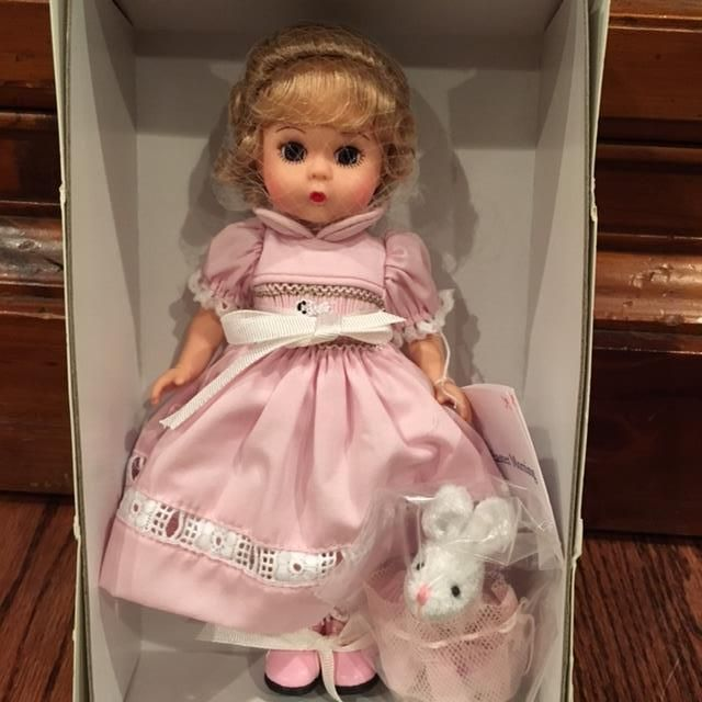 Easter of Yesteryear 8/'/' Madame Alexander Doll Exclusive for Colletors United