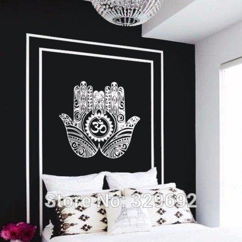 Encontrar Más Pegatinas de Pared Información acerca de Envío gratis  tatuajes de pared decoración vinilo mano de Hamsa Om Lotus indio buda  Ganesh dormitorio ... af9a6a1d7274