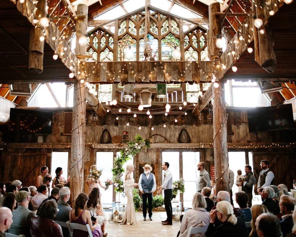 Colorado Wedding The Most Stylish Barn Wedding Barn