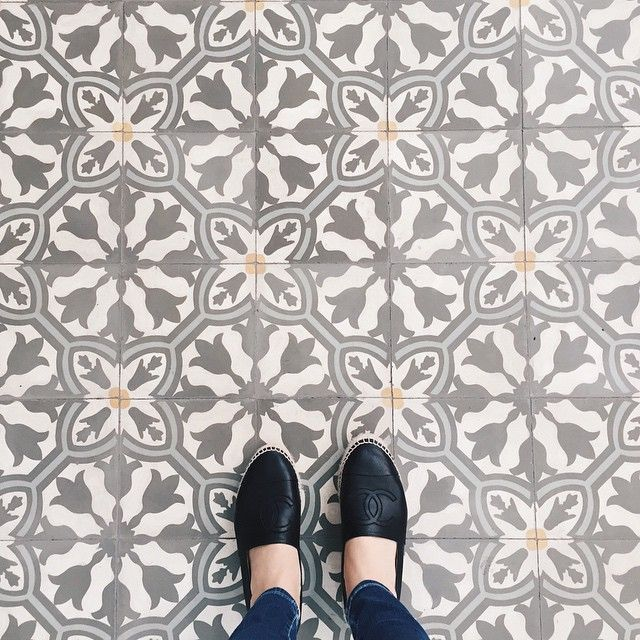 Another day another floor Another minute closer to Christmas vacay #ihavethisthingwithfloors