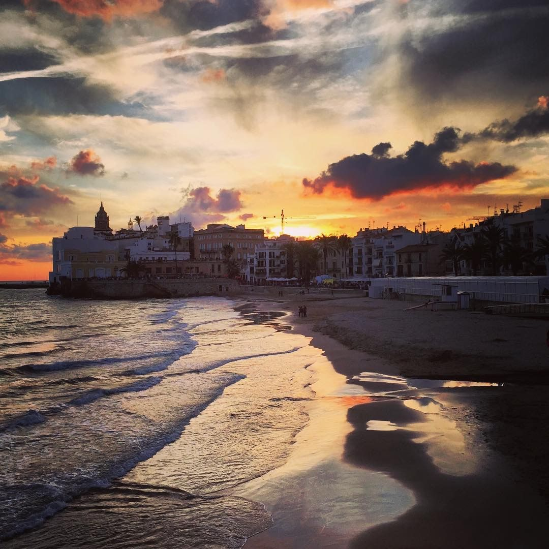 Photo By: @victormiguelbcn In #Sitges With #BCNmoltmes
