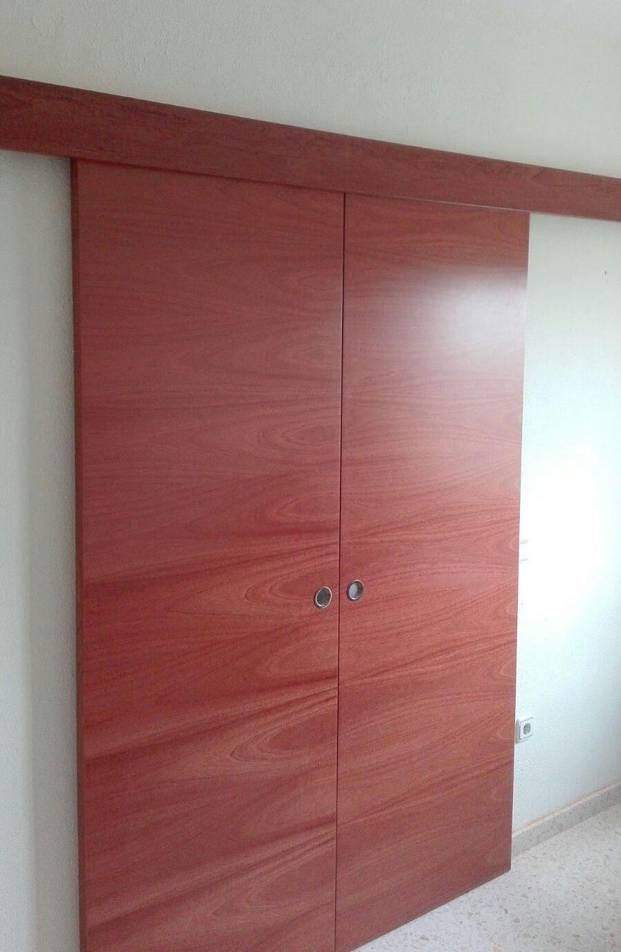 Puerta corredera doble l62 sapelly rameado sin marcos ni for Puertas correderas exterior