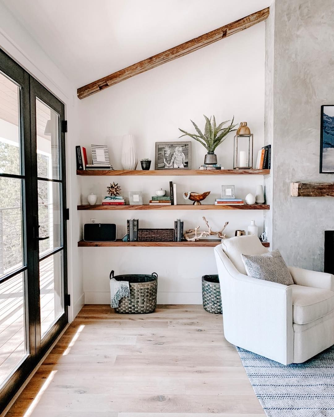 modern farmhouse living room with concrete plaster
