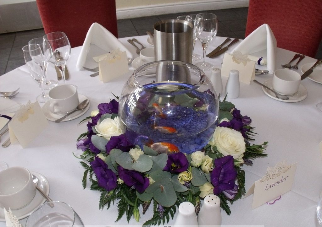 Fish bowl centerpieces table decorations