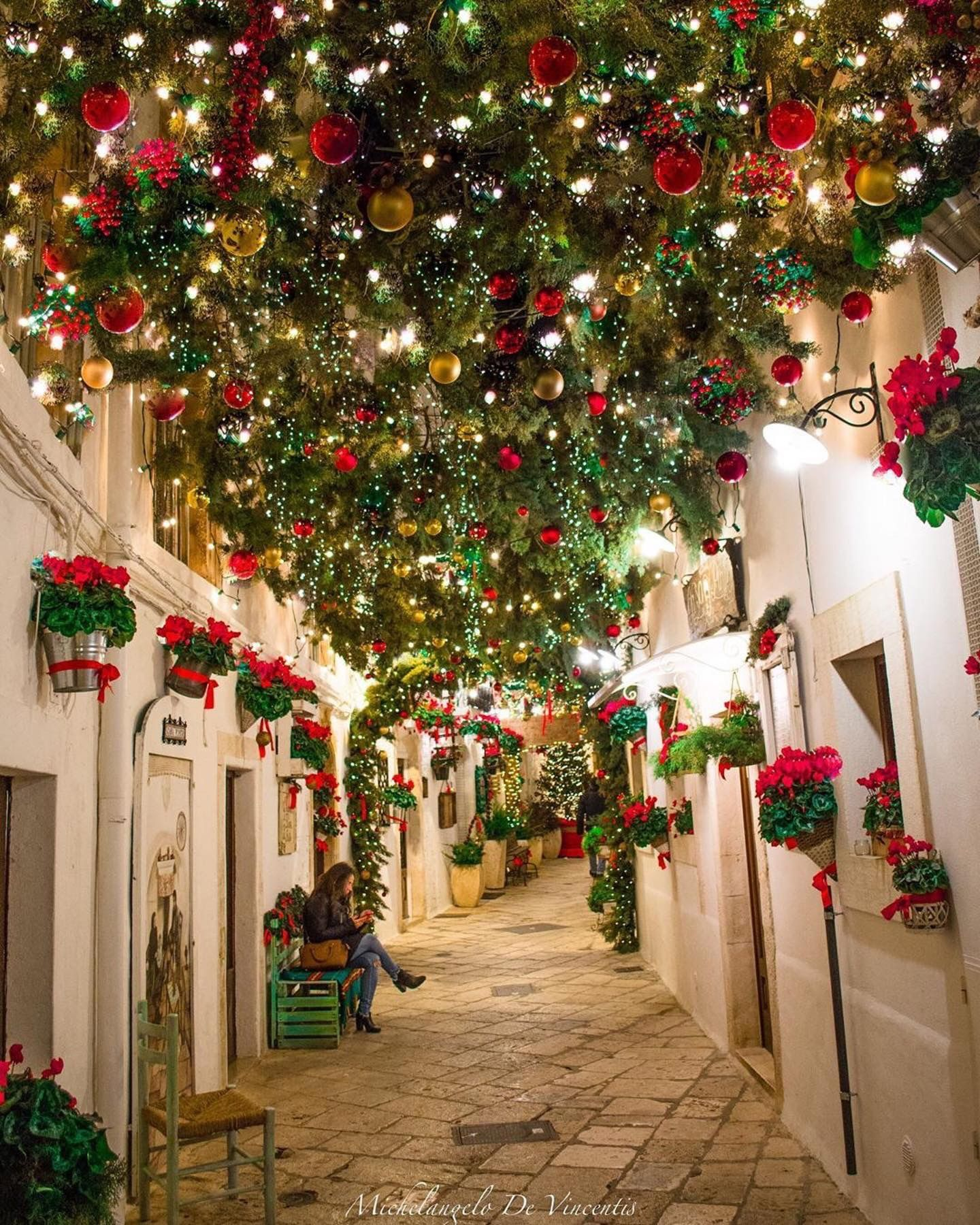 Pin By Ornaments 365 On Christmas In 2020 Christmas In Italy Decor Christmas Decorations