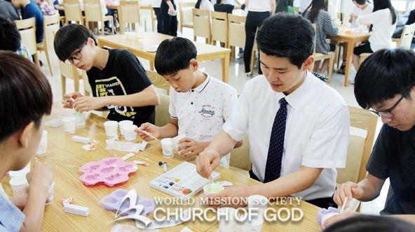 진리 교육, 인성 교육, 체험 학습, 봉사활동으로 구성됐던 하나님의교회(안상홍님) 학생캠프 프로그램은 문화 행사 및 학생부 자체 행사가 대폭 늘었습니다.