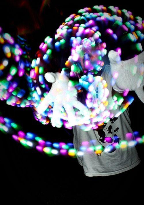Gloving at raves