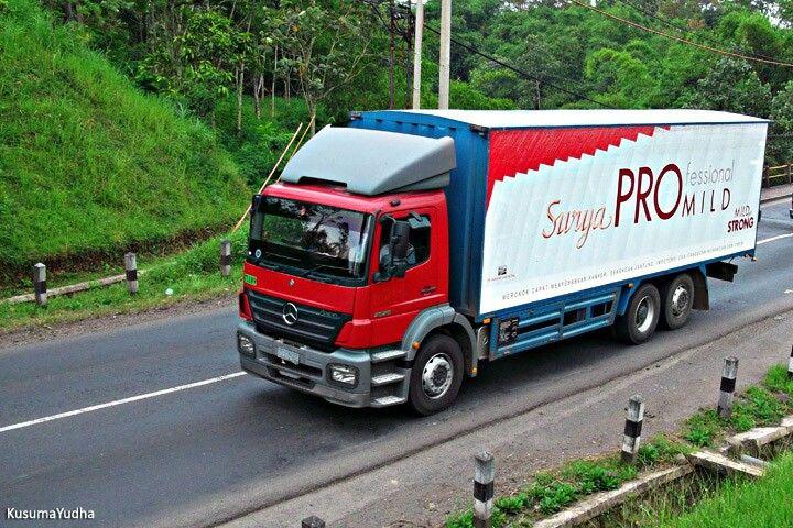 Mercedes Benz Axor Gudang Garam Surya Pro Mild Indonesia