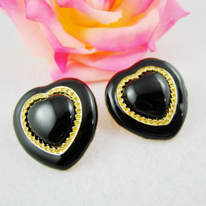 Charming Black Heart Shaped Women Ear Stud,18.99,