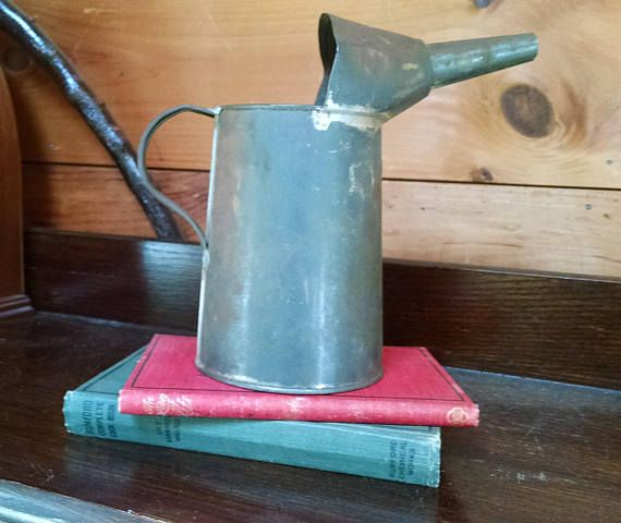 Vintage Oil Can Galvanized Metal One Quart Can Industrial
