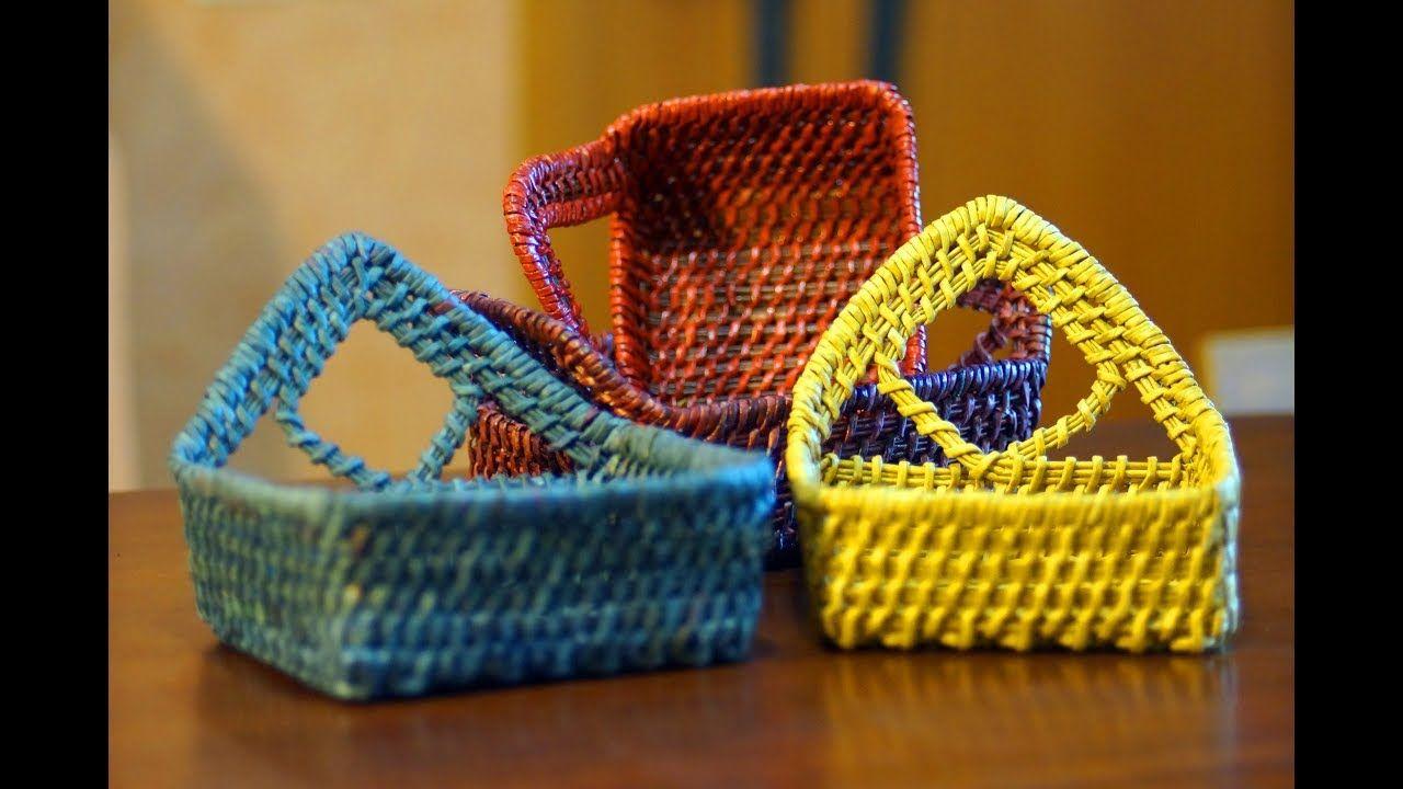 Como se teje una cesta rectangular cester a en papel - Cesta de papel de periodico ...