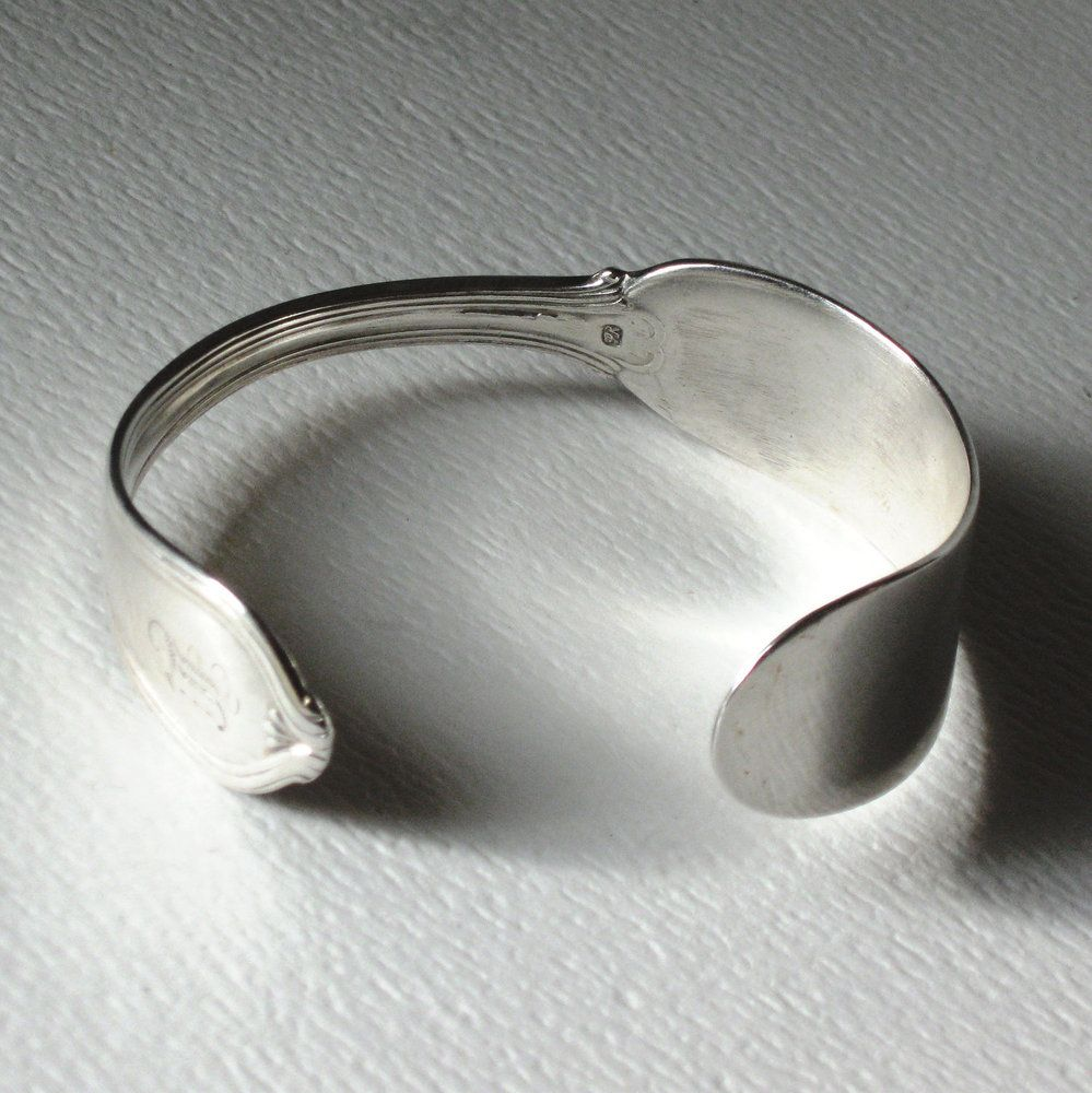 045b2110f 20 Incredible Pieces Of Jewelry That Used To Be Silverware   Jewelry ...