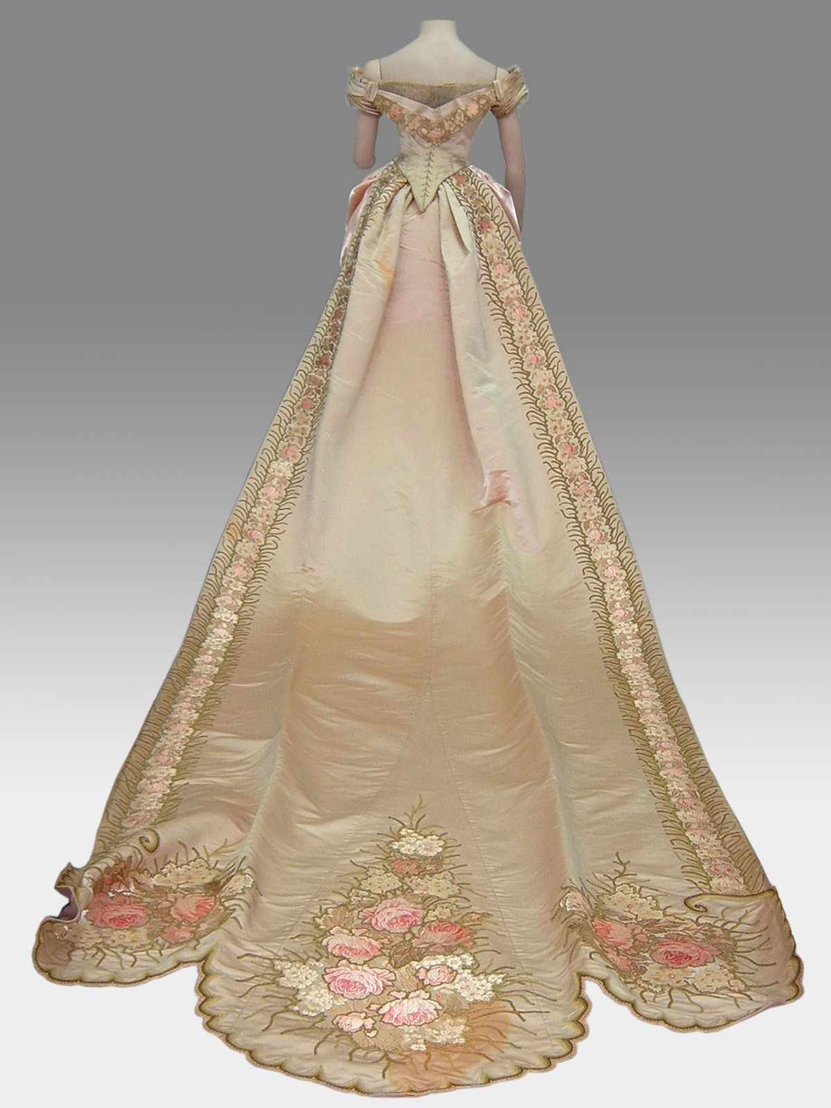 Fawn velveteen u court dress from the national historical