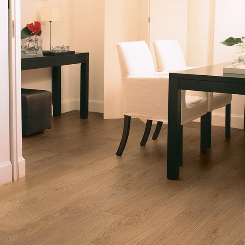 Quickstep Classic Natural Varnished Oak Laminate Flooring