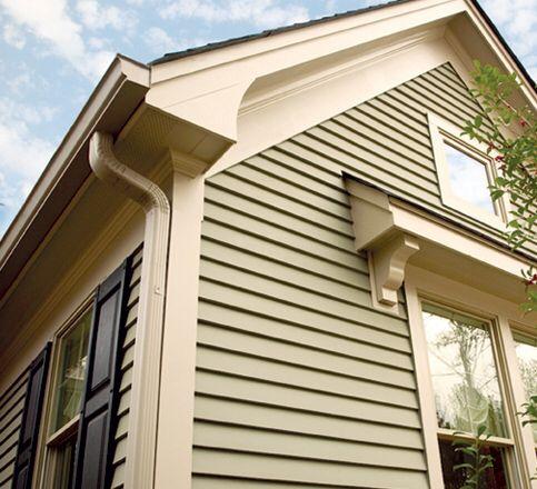 Hardi Plank Wide Trim At Roofline Hmmm Like The Wider Plank Along The Roofline In 2020 Hardy Plank Siding Facade House Craftsman Exterior