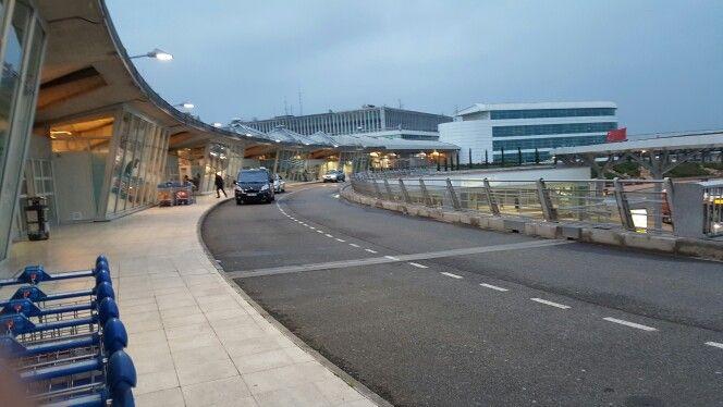Aeroport de Lyon. Saint-Exupery. Photo personnelle. Marie-Lys. France