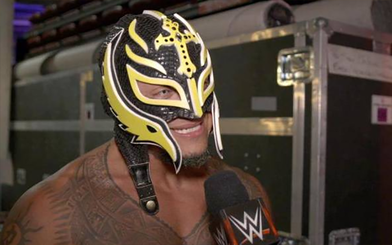 Rey Mysterio Expected To Sign Part Time Deal With Wwe Wwe Pro Wrestling Vince Mcmahon