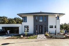 Stadtvilla modern mit anbau  Moderne Stadtvilla mit Zeltdach - Tauber Architekten und ...