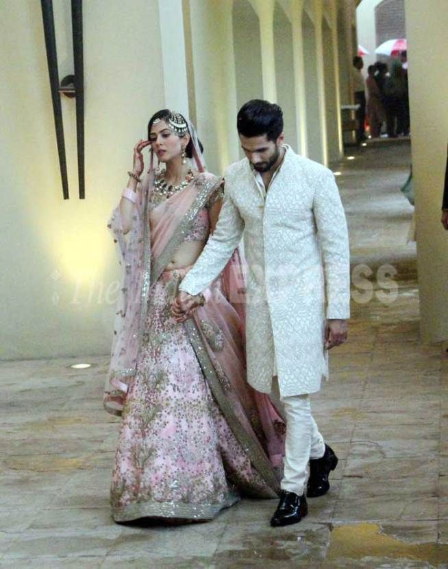 New Pictures Of Shahid Kapoor Mira Rajput S Wedding Indian Wedding Outfits Wedding Dresses Men Indian Bridal Outfits