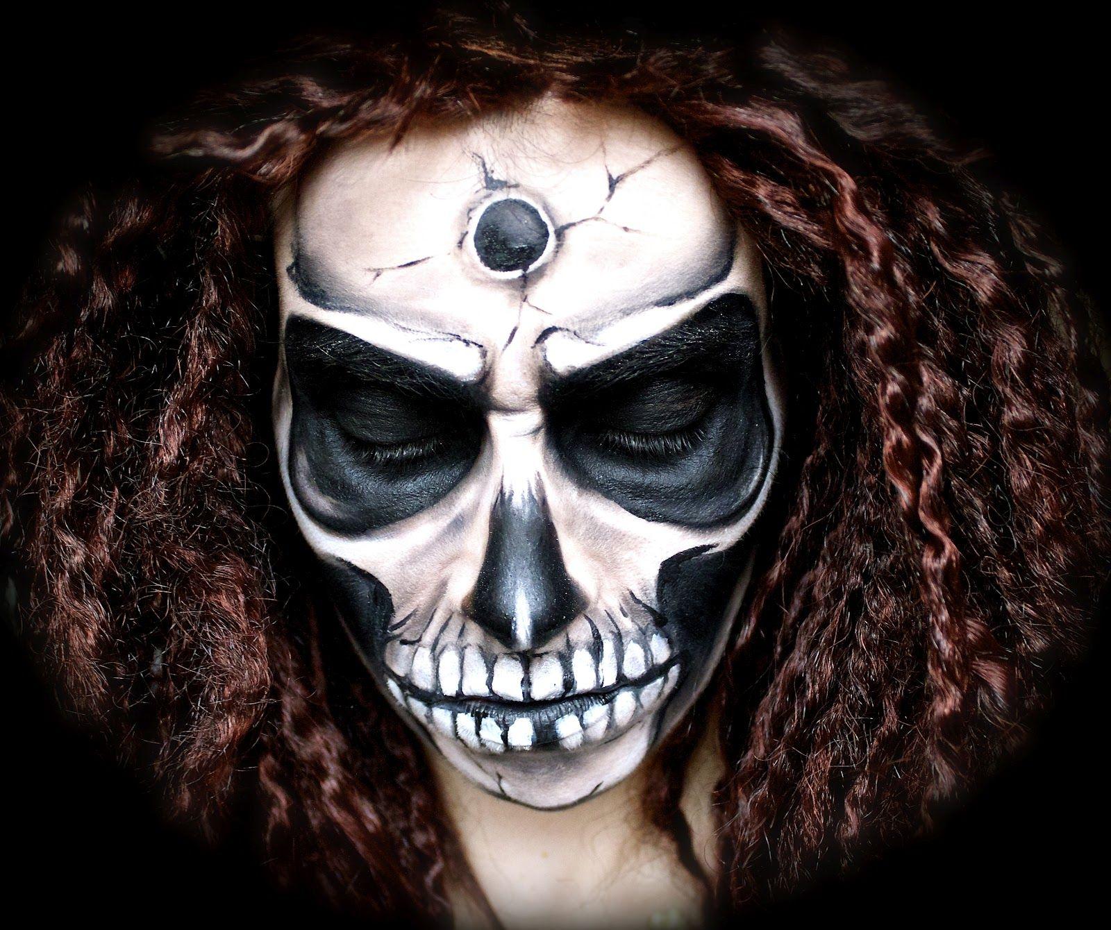 Scary/Creepy Skull Makeup Tutorial; Halloween '12 (med bilder)