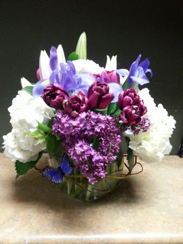Purple blue and white flower arrangement for wedding and events my purple blue and white flower arrangement for wedding and events mightylinksfo