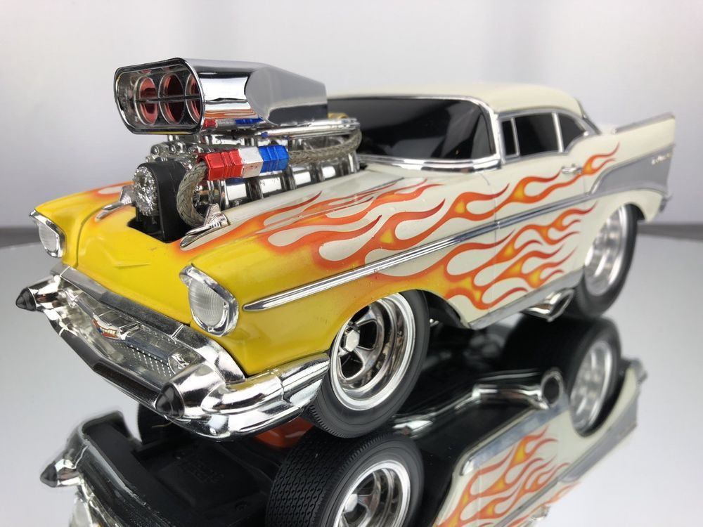 Muscle Machines 1957 Chevrolet Bel Air White Flames Rare Diecast
