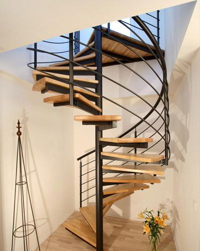 Escalera de caracol estructura met lica y pelda os de - Escaleras de peldanos ...