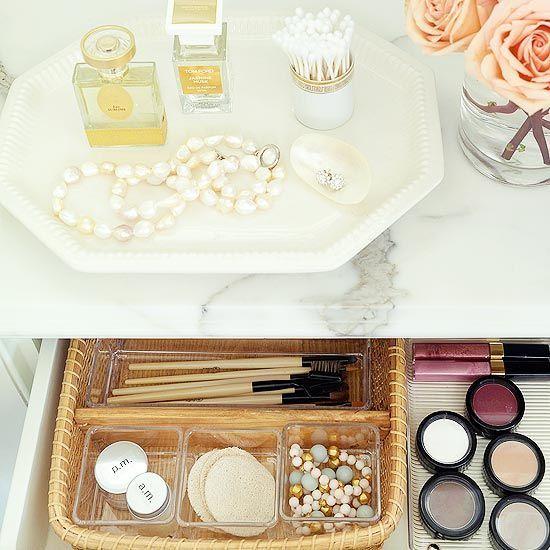 aufbewahrung-schminksachen-schublade-tablett-ordnung Interior - schminktisch ideen aufbewahrung