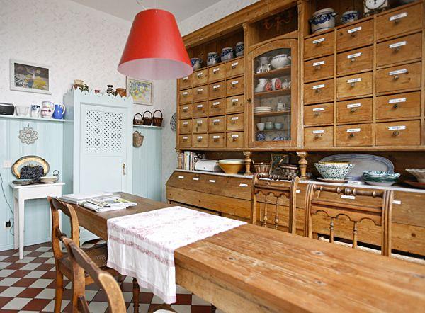 Ein Haus voller Schätze Shooting bei Margit in Maintal Drawers - apothekerschrank für küche