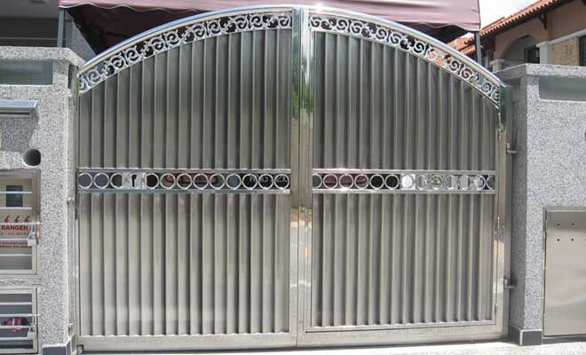 Full steel gate design exterior in 2019 - Sliding main gate design for home ...