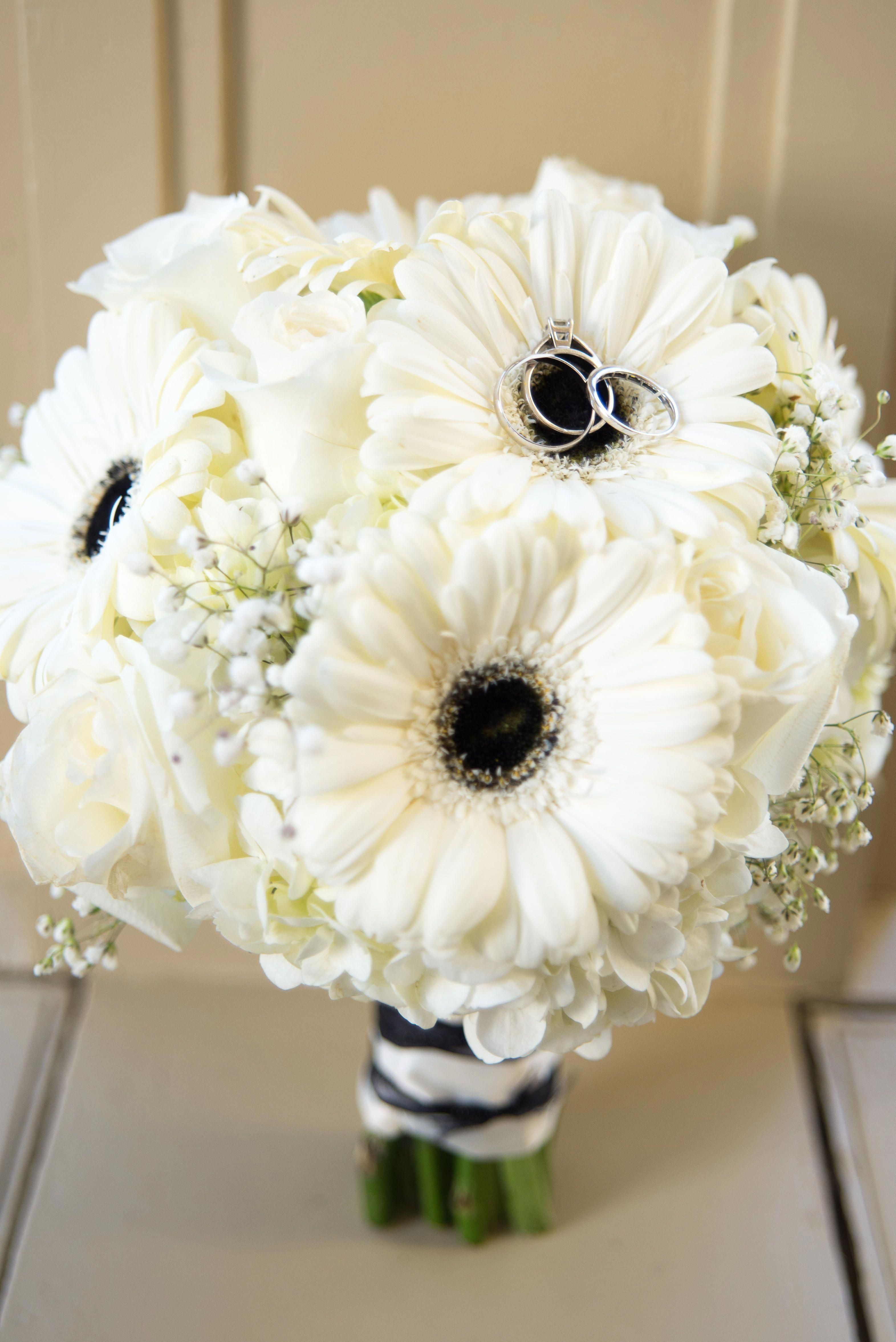 Black And White Gerbera Daisy Bouquet By Flowers Make Scents Midlothian Va White Wedding Bouquets Gerbera Daisy Bouquet Daisy Bouquet Wedding