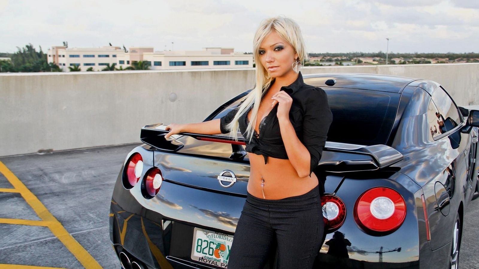 nissan gtr and girl :o <3   gtrs   pinterest   autos, camiones and