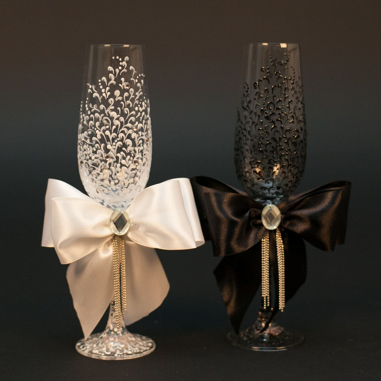 wedding glasses personalized chagne glasses black white