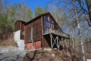 318 Greystone Heights Rd, Gatlinburg, TN 37738