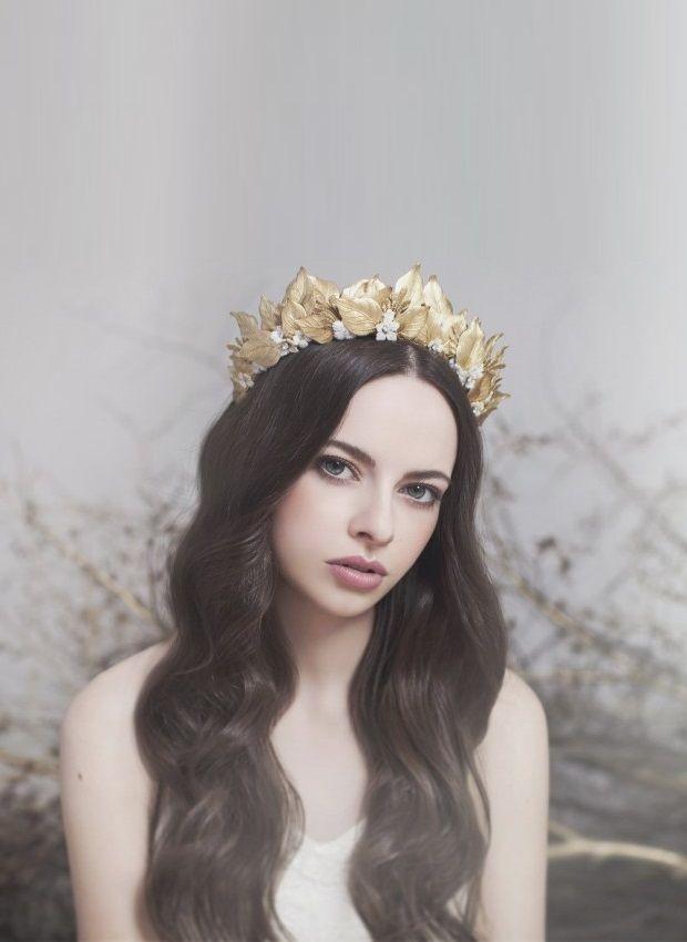 Crowning Glory - The Return of the Bridal Tiara | weddingsonline