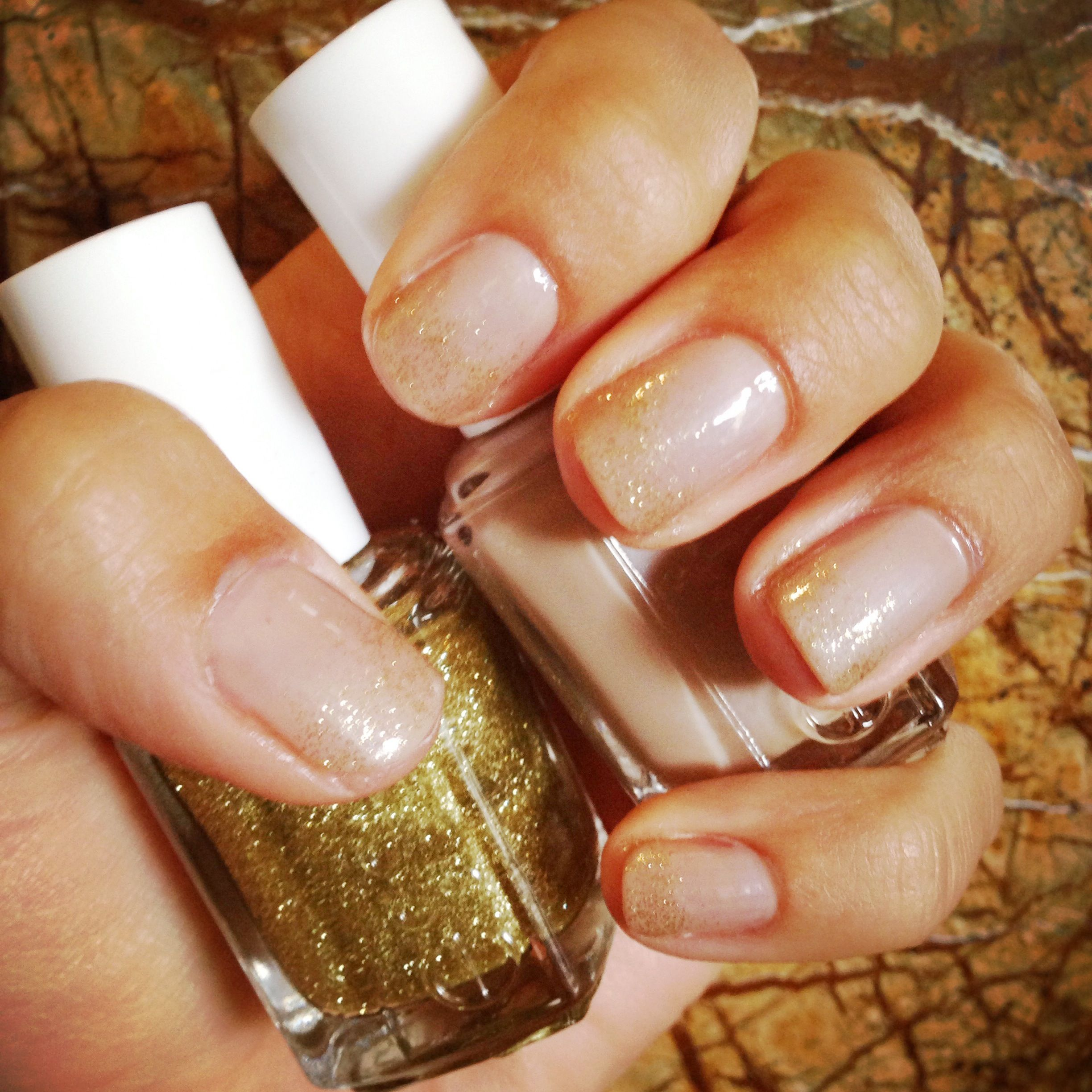 Essie GOLDEN NUGGETS & AU NATURAL
