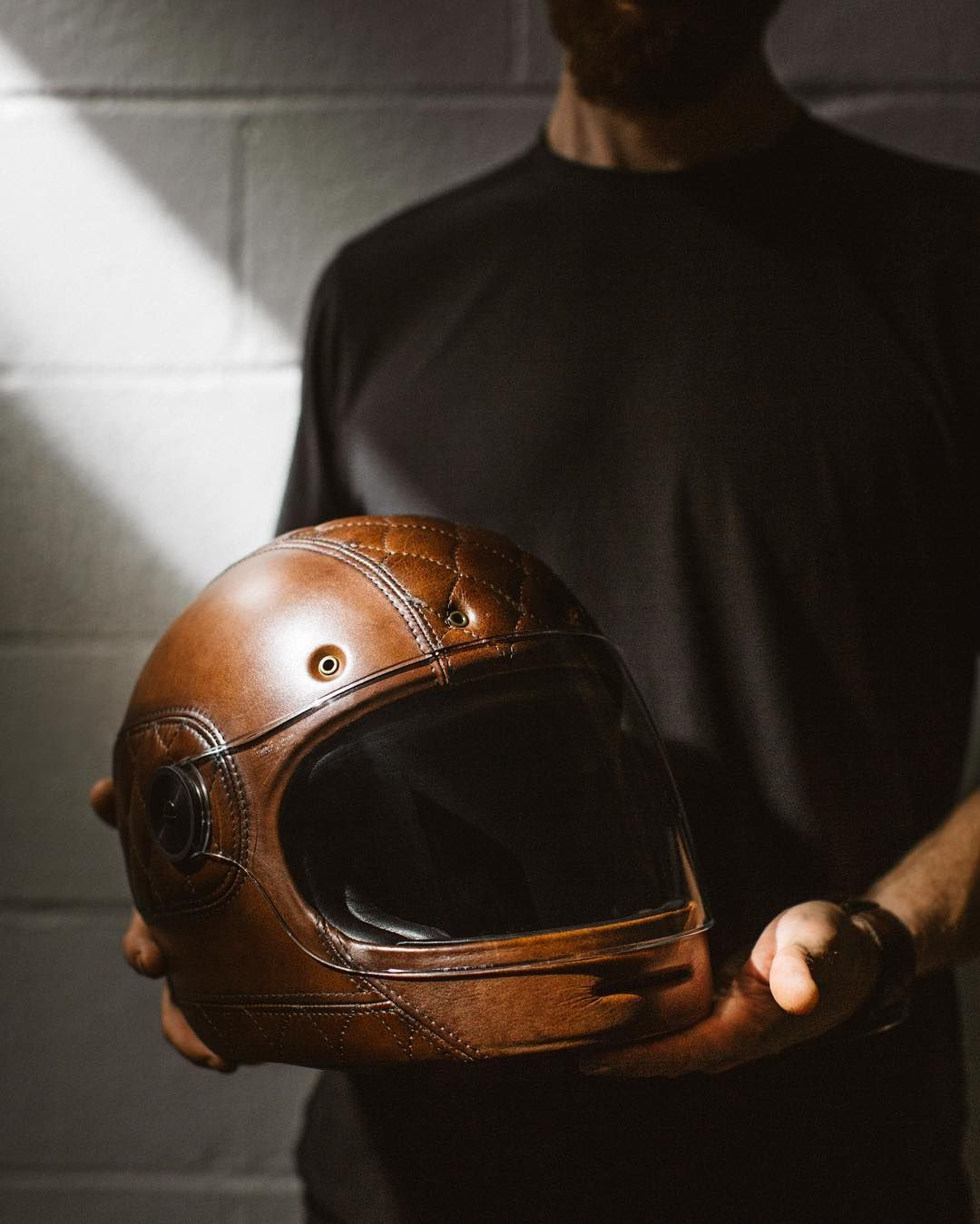 @larson_upholstery taking helmet customization to the next level. Visit www.sideroist.com to see more. Link in profile Photo  by @jennylinquist . #Sideroist #motorcycle #caferacer #larsonupholstery #bellbullitt #motorcyclehelmet #customhelmet by sideroist